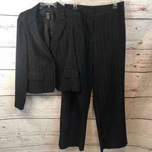 T Milano stretch pants suit 2 piece suit